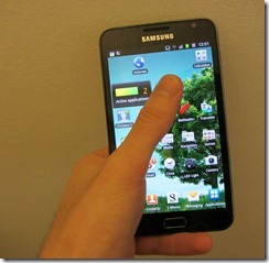 holding_galaxynote