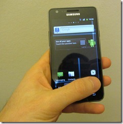 holding_galaxys2